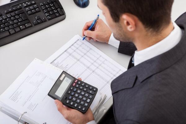 Você sabe por quê deve contar com um profissional contábil na gestão de seu negócio?